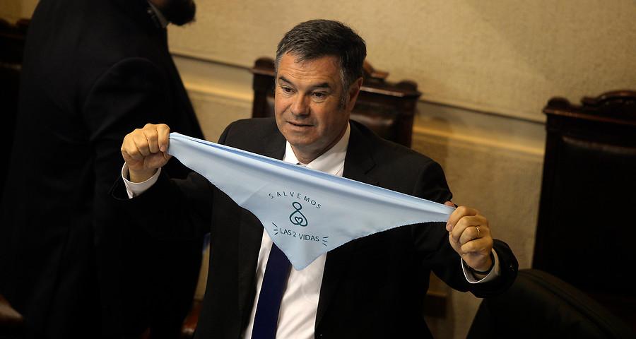 """Ossandón el provida sale a destacar """"los valores de Bolsonaro"""", candidato que prefiere un hijo muerto antes que gay"""