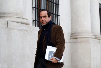 """El millonario """"perdonazo"""" de Ramiro Mendoza a Carabineros ante deuda por irregularidades económicas"""