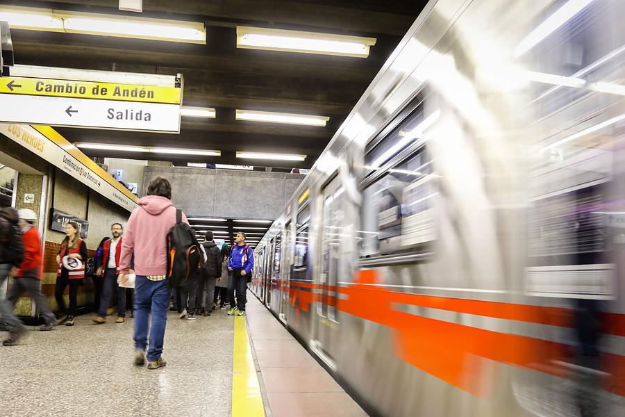 Fiscalía indaga agresión sexual contra mujer en estación de Metro El Llano