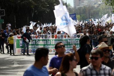 Colegio de Profesores amenaza a La Moneda con paro nacional indefinido