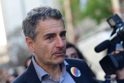 """Andrés Velasco habla de """"populismos"""" por elecciones en Brasil y Juan Gabriel Valdés le para los carros en seco"""