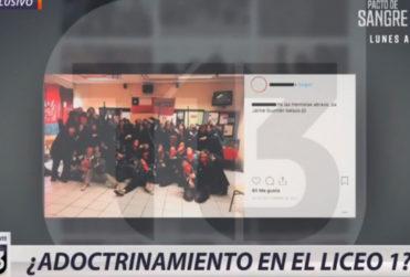 """Canal 13 defiende usar fotos de obra de teatro para dar la idea de adoctrinamiento en el Liceo 1: """"Es una prueba de la penetración de esos grupos"""""""