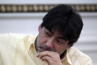 """Jadue acusa de hipocresía a Ampuero y Piñera y pide visas a """"hondureños que arrancan de gobierno derechista"""""""