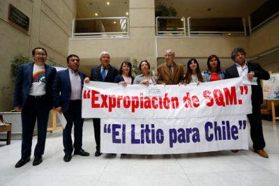 Diputados aprueban proyecto para que litio sea explotado por el Estado
