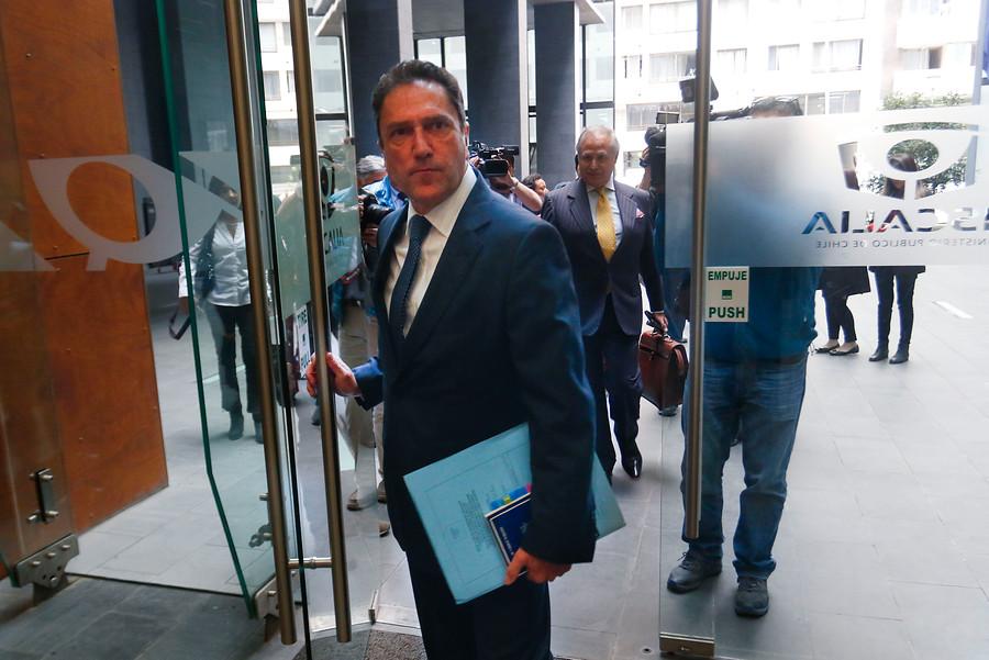 Ex ministro Gómez declaró como imputado en caso Ascar