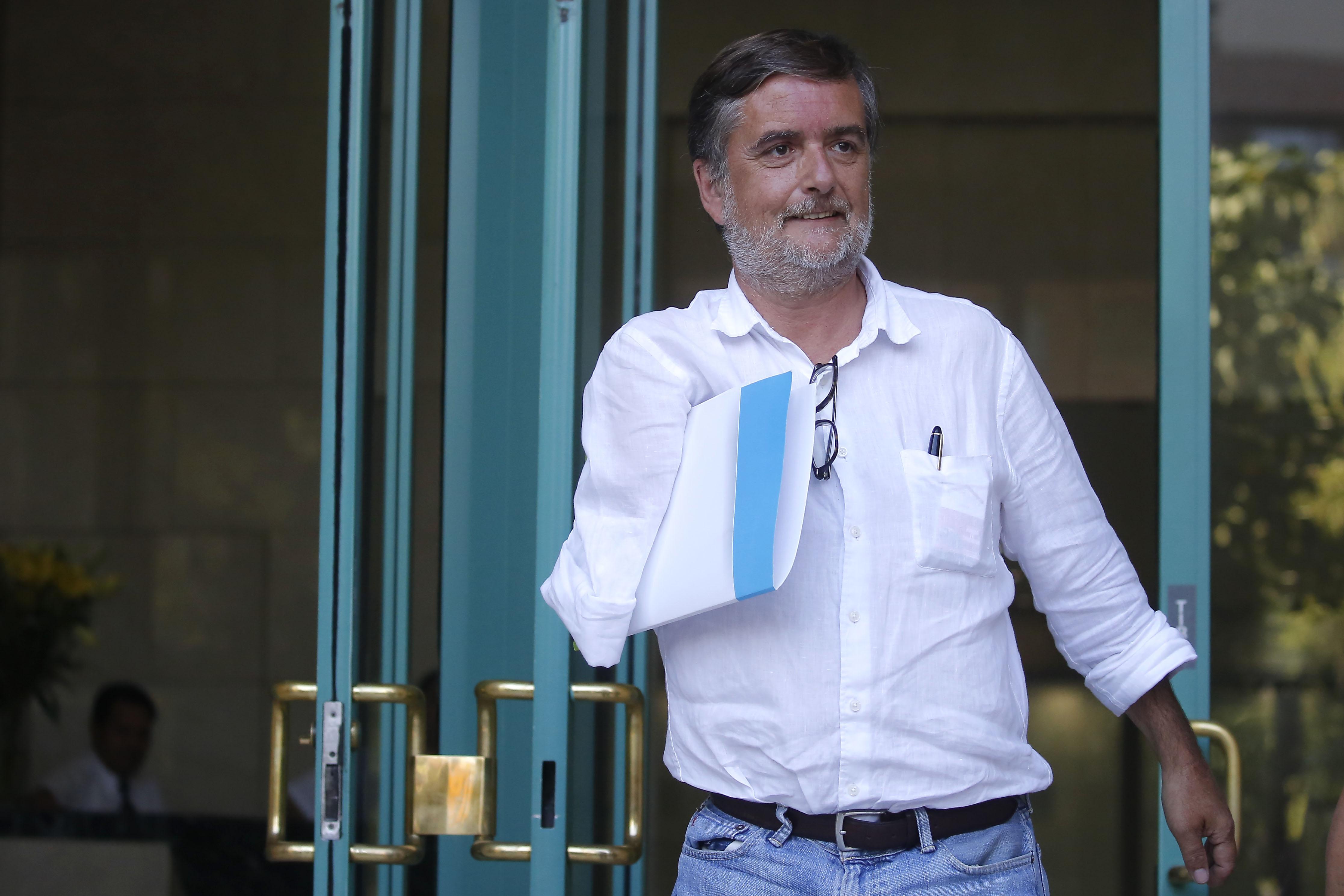 """""""Yo también tenía aspiraciones de tener dos brazos"""": diputado Undurraga lanza la ironía del año a Evo Morales"""