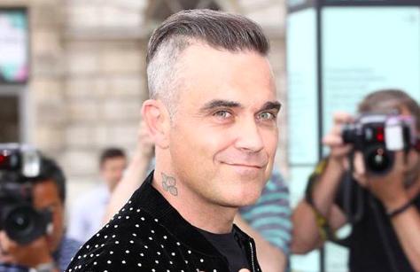"""Robbie Williams sale al rescate de Alexis Sánchez en Manchester United: """"Él trabaja muy duro"""""""