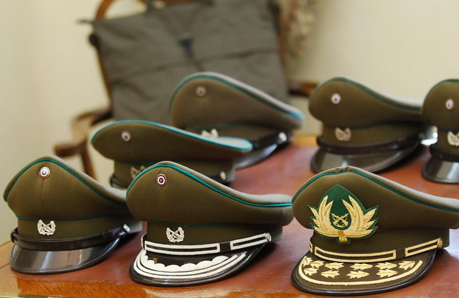 Fiscalía investiga a Carabineros por venta de armas a delincuentes