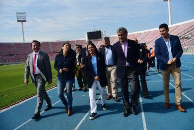 Autoridades revisan el Estadio Nacional antes del clásico universitario