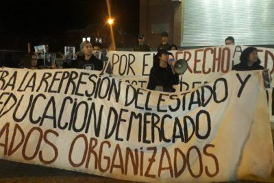 VIDEO | Funa en Canal 13: apoderados protestan por reportaje sobre adoctrinamiento