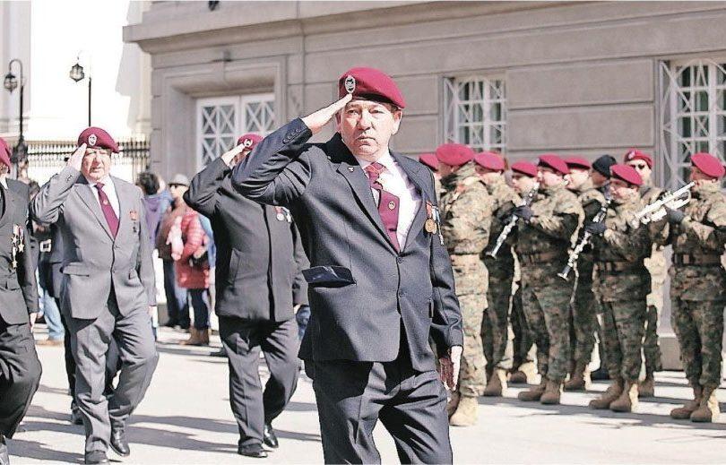 Procesado en caso Quemados participa en desfile en Punta Arenas