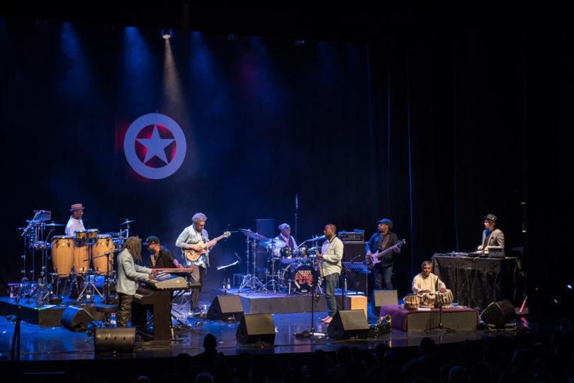 Miles Electric Band en Chile, carencia de nostalgia