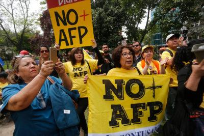 """No + AFP: """"Más que solucionar el drama de las jubilaciones, la reforma del Gobierno fortalece el modelo"""""""