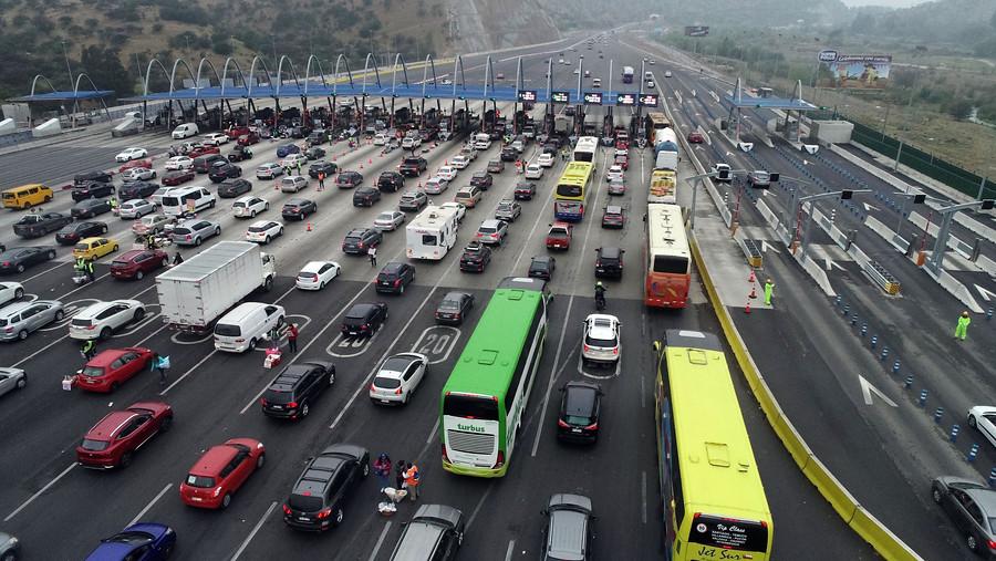 """""""MOP proyecta que 362 mil vehículos salgan de la capital por fin de semana largo"""""""