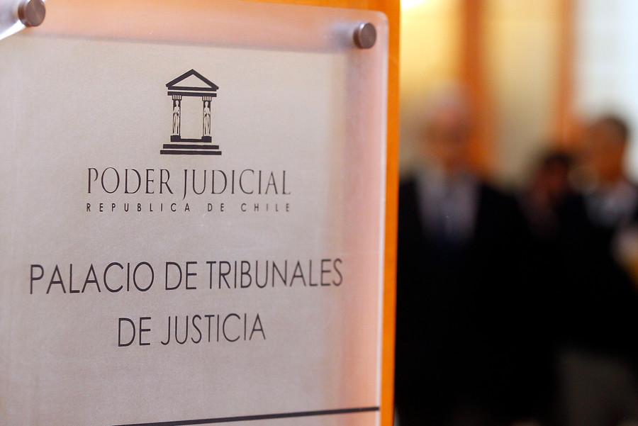 """""""Identifican e inician sumario contra funcionario grabado viendo porno en el 20º Juzgado Civil"""""""
