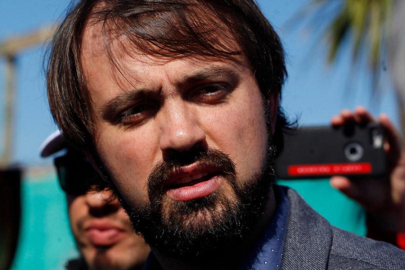 """""""Esto no es Game Of Thrones"""": Jorge Sharp no suelta al Gobierno por horario de la Cuenta Pública"""