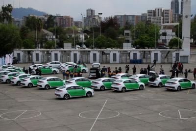 Estrenar los primeros taxis eléctricos que se sumarán al Transporte del Tercer Milenio
