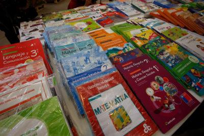Textos escolares del mercado privado son hasta 42 veces más caros que el estatal