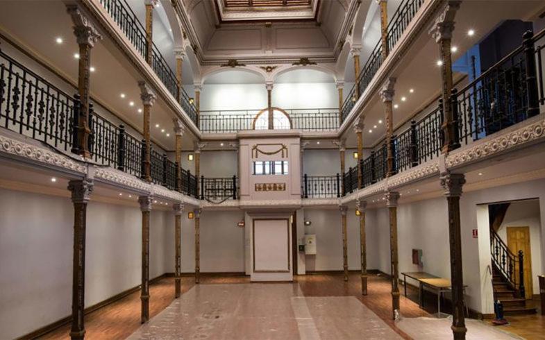 El incierto futuro del Teatro Huemul, el lugar donde se grabó la franja del No