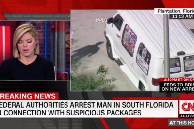 FOTO |Detenido por enviar bombas a demócratas de EE.UU. tenía una van con stickers de Trump y el Partido Republicano