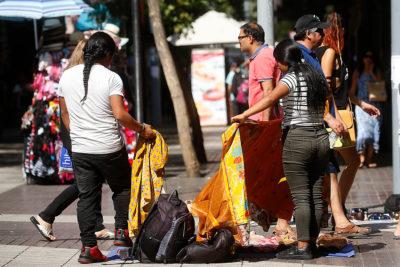 Experto de la OCDE advierte que el comercio ilícito pone en peligro al Estado