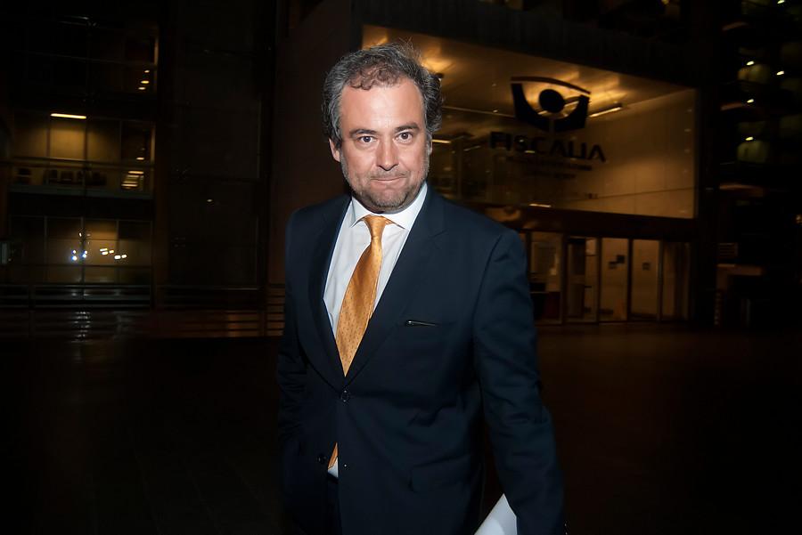 """Fiscal Emilfork acusa estrategia de defensa de Javiera Blanco para sacarlo de caso Sename"""