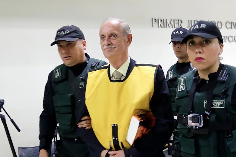 Destituyen a alto cargo militar por homenaje a genocida — Chile