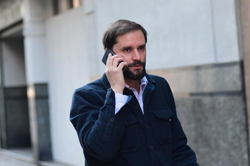 Jaime Bellolio, el derechista aplaudido por un progresismo que le cree todo