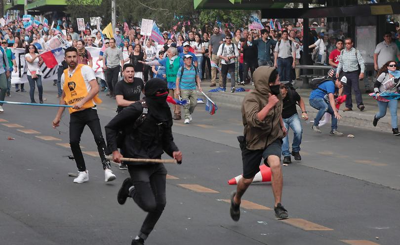 """Piñera condena las """"cobardes agresiones"""" ocurridas en marcha cristiana"""