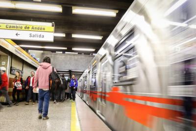 Explosión en Metro Lo Vial obliga a evacuar estación
