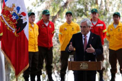 """Sebastián Piñera: """"Vamos a perseguir en forma implacable a los que queman bosques"""""""