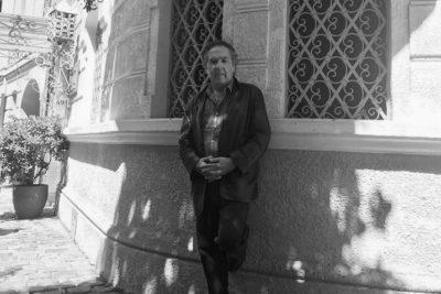 """Hernán Rivera Letelier: """"Fui a dar una vuelta por la Filsa y realmente da pena"""""""