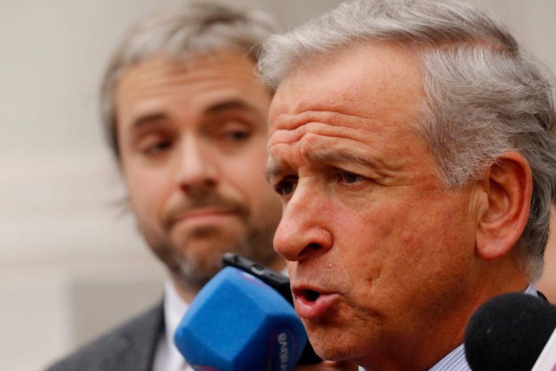 """Reforma previsional: Felipe Larraín llama a Eyzaguirre a """"no confundir a la opinión pública"""""""
