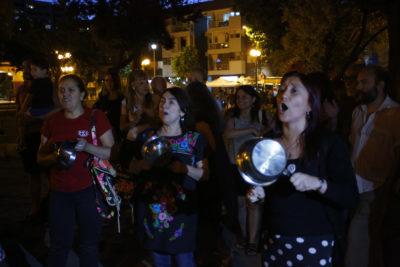 Quince videos del masivo cacerolazo que se hizo sentir en varias comunas de Santiago