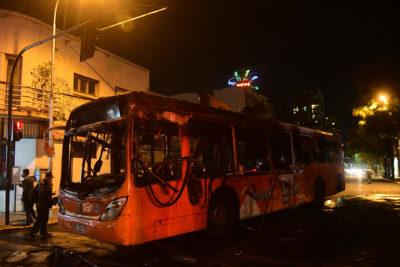 Bus del Transantiago quemado tras caravana en protesta por muerte de Catrillanca
