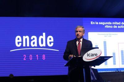 """Felipe Larraín es ovacionado en Enade por discurso inspirado en película """"Gladiador"""""""