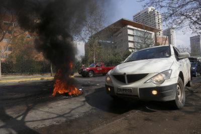 Santiago amaneció con barricadas en distintos puntos por comunero mapuche asesinado y Quintero
