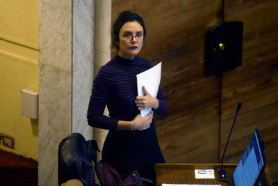 """La ironía de Camila Vallejo por explicación del Gobierno por Imacec: """"Capaz que ahora le echen la culpa a Netflix"""""""