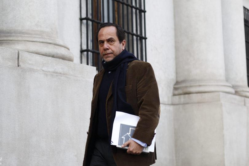 Fiscal Campos apunta al ex contralor Mendoza por anular sumario que pudo evitar fraude en Carabineros