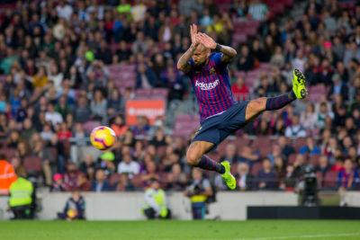 VIDEO  Técnico del Barcelona solo tuvo aplausos para Vidal tras partidazo por Champions League