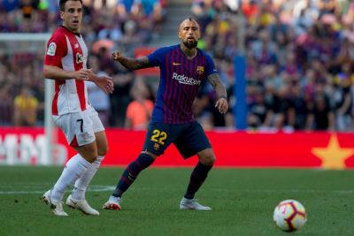 Arturo Vidal no suelta la titularidad e iría desde el arranque en duelo del Barcelona por Champions
