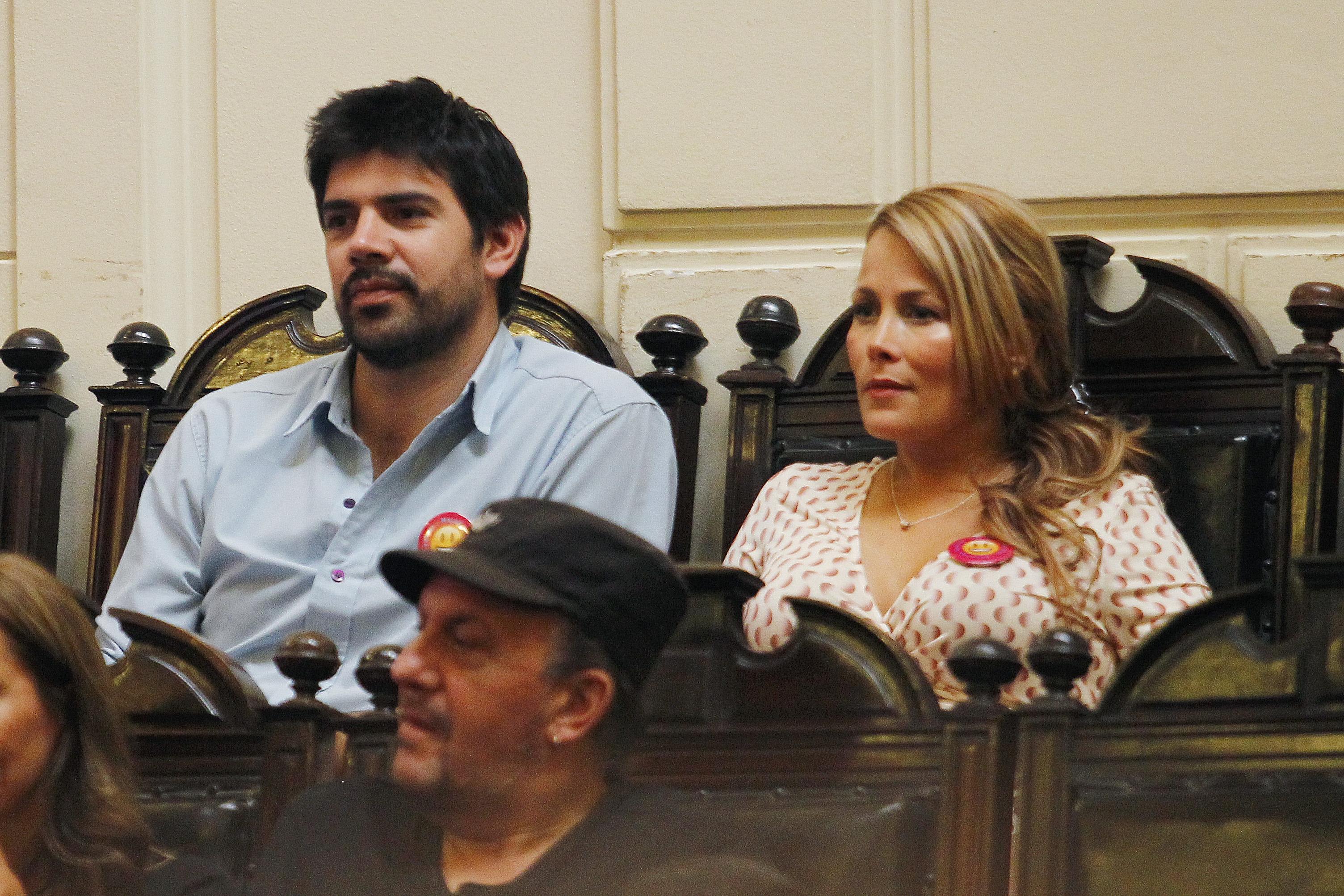 """Lavín Jr. apuesta por su esposa Cathy Barriga como presidenciable: """"Le puede ganar a cualquiera"""""""