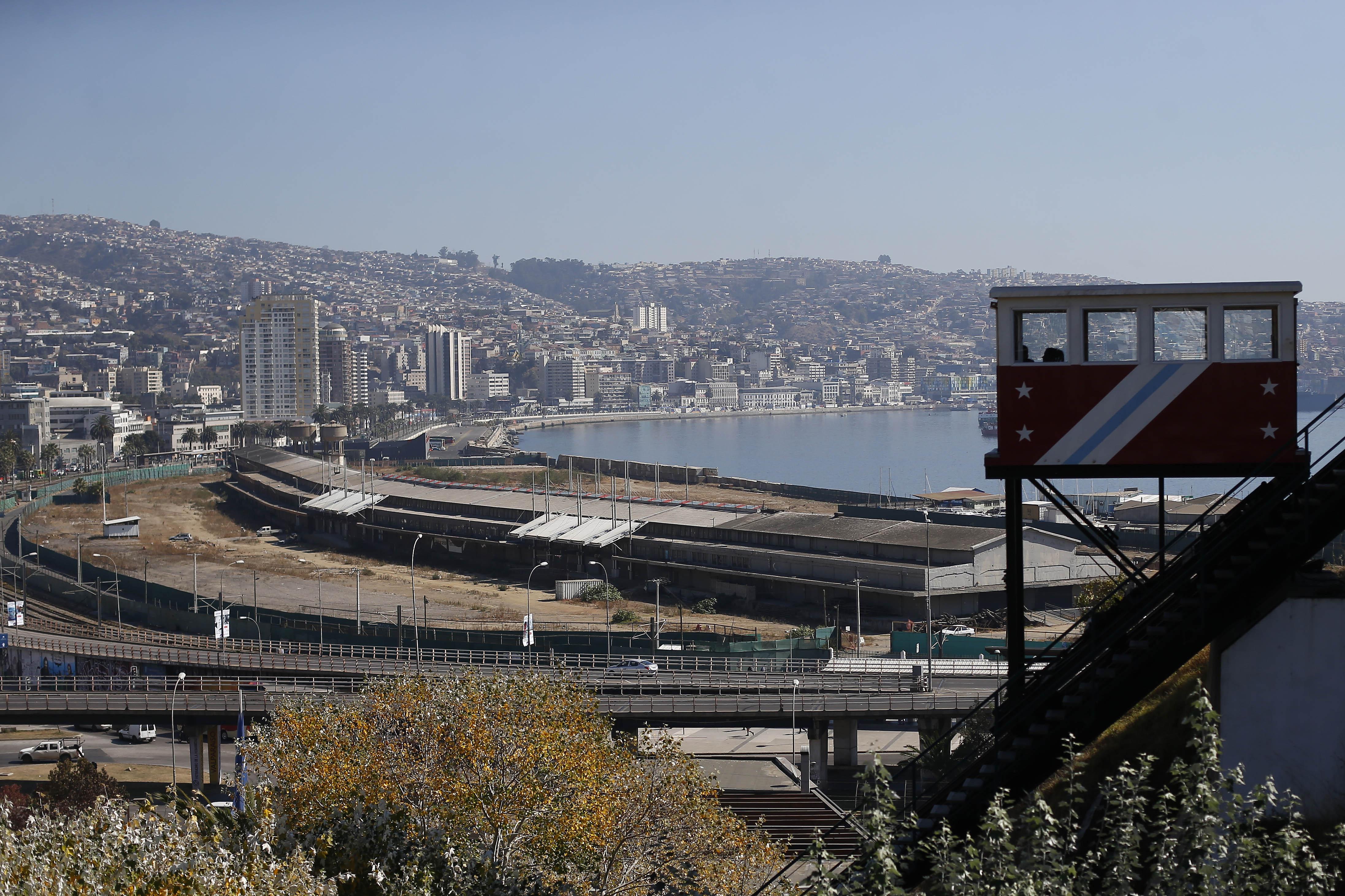 Sumario a alcalde nocturno de Valparaíso por malas prácticas