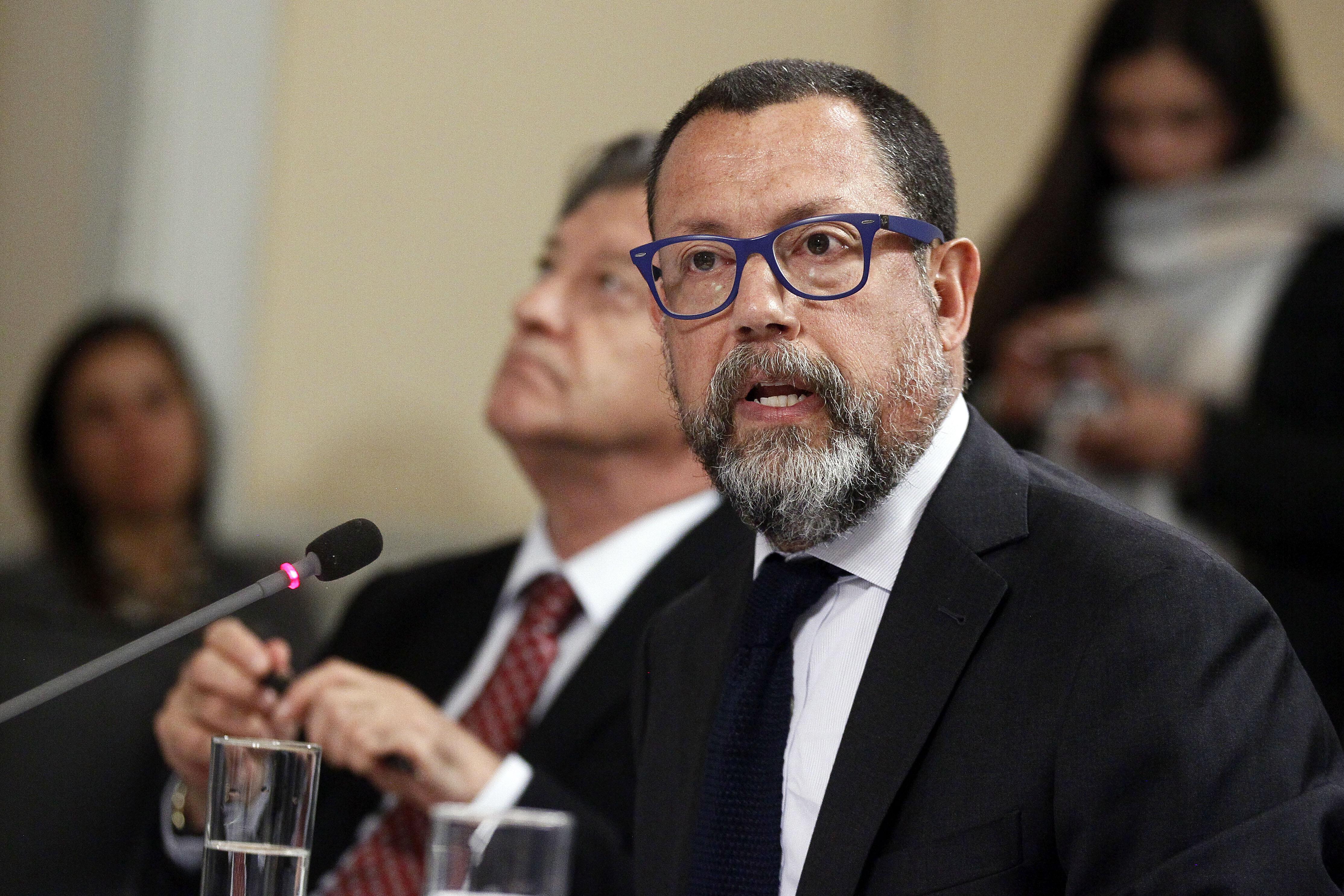 Presidente de TVN renuncia por dificultades con Jaime de Aguirre y directorio