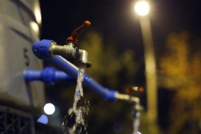 Funcionarios de empresa sanitaria vertieron desechos fecales en estanques de agua potable de Las Condes y La Reina