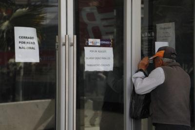Empleados fiscales inician paro nacional por demanda de reajuste salarial