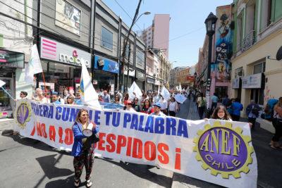 Paro sector público: CUT cuestiona ausencias de ministros Larraín y Monckeberg en diálogo
