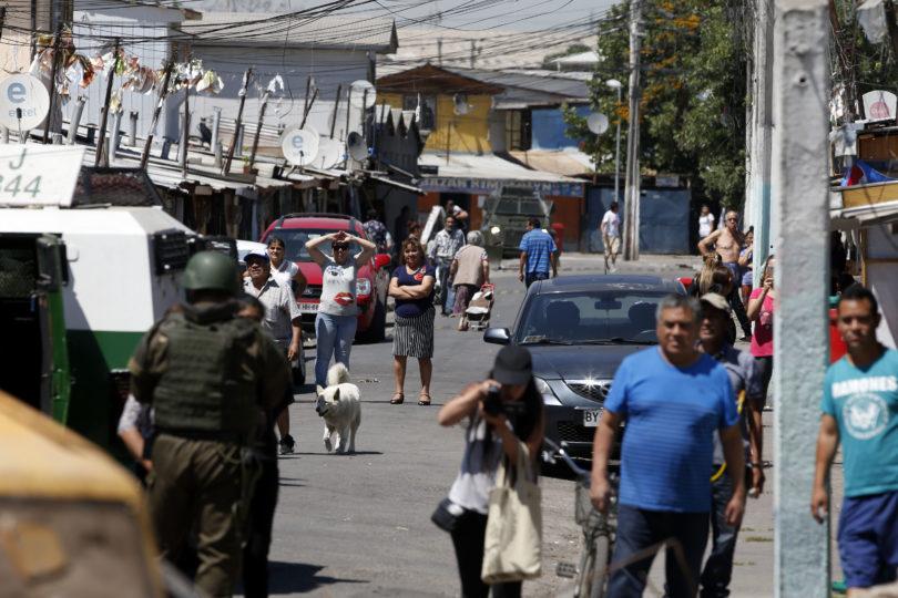 Fisco paga $18 millones a vecinos de La Legua por irregularidades en allanamientos de Carabineros