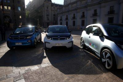 Cinco ministerios y Presidencia ya cuentan con autos eléctricos