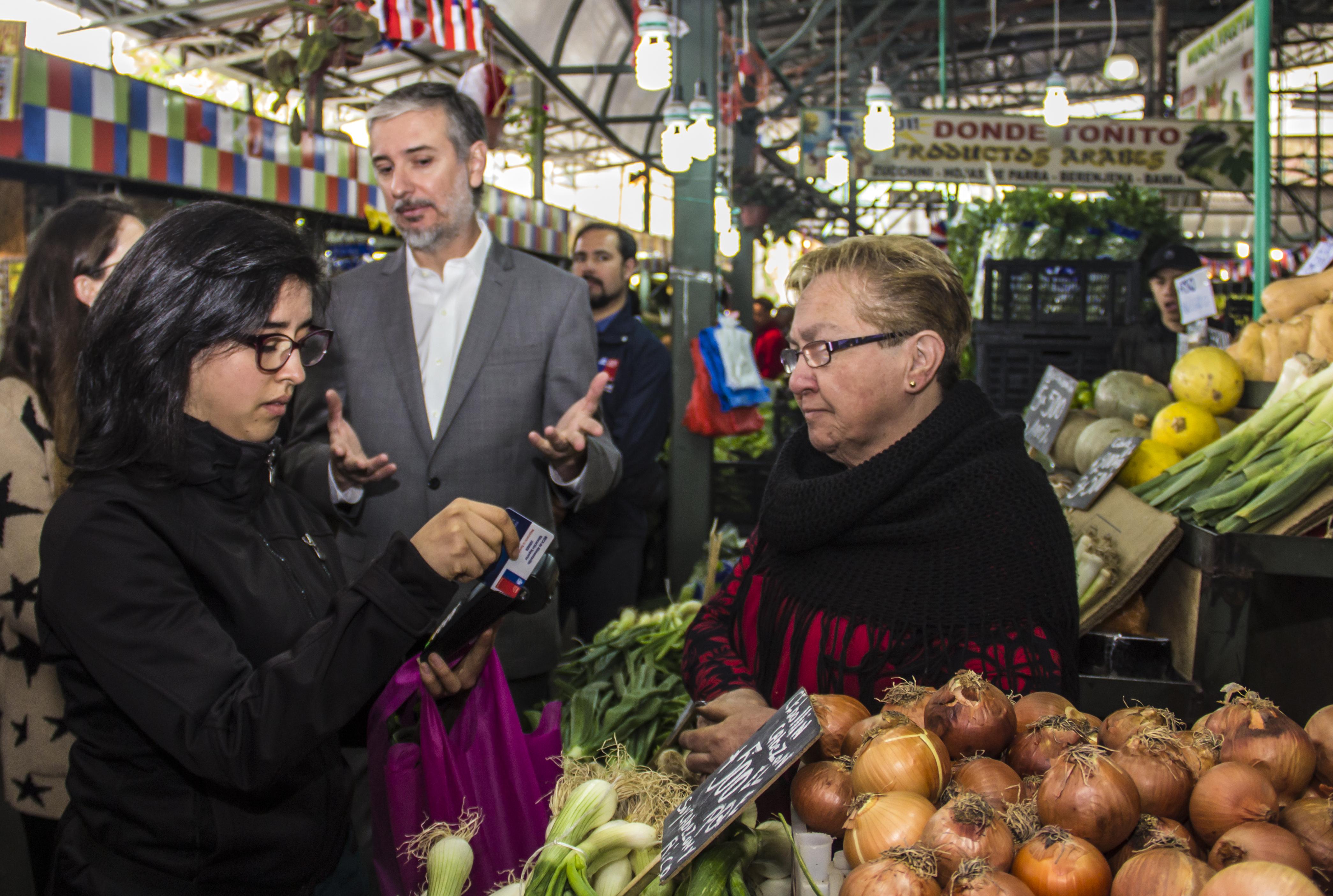 Junaeb licita por primera vez Beca de Alimentación para Educación Superior